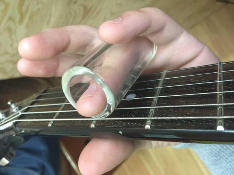 ギターのスライドバーとは