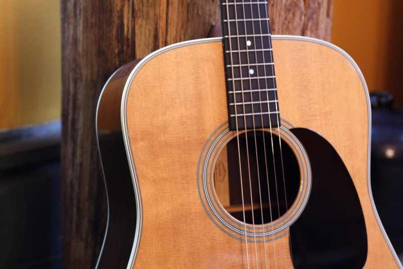 アコースティックギターの選び方