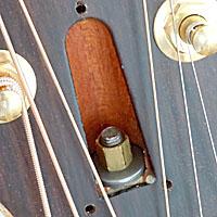アコースティックギターのトラスロッド