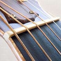 アコースティックギターのナット