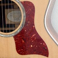 アコースティックギターのピックガード