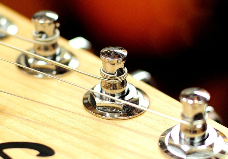 ギターの弦の太さを変更したときの注意点
