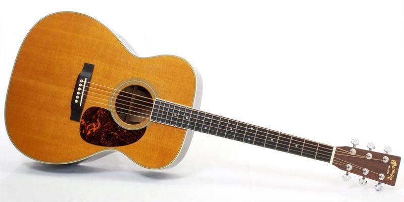 アコースティックギターのクアドラオー(グランド・オーディトリアム/0000)