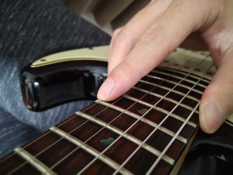 ギターのタッピング奏法がうまくできない時に見直すポイント