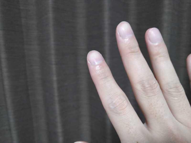 タッピングは人差し指か中指を使う