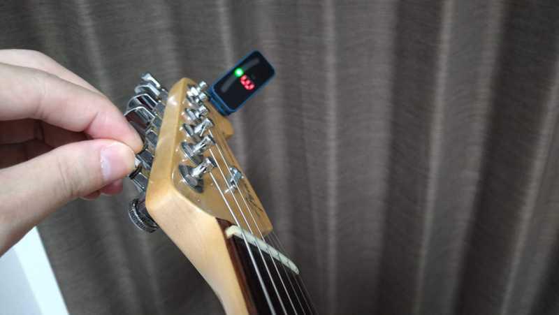 ギターのチューナーを使ったチューニングのやり方