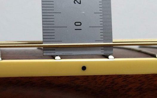 アコースティックギター(アコギ)の標準弦高の高さ