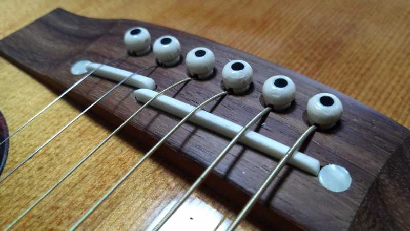 アコースティックギター(アコギ)の弦高を下げる方法