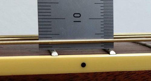 6弦の弦高が2.0mm程度