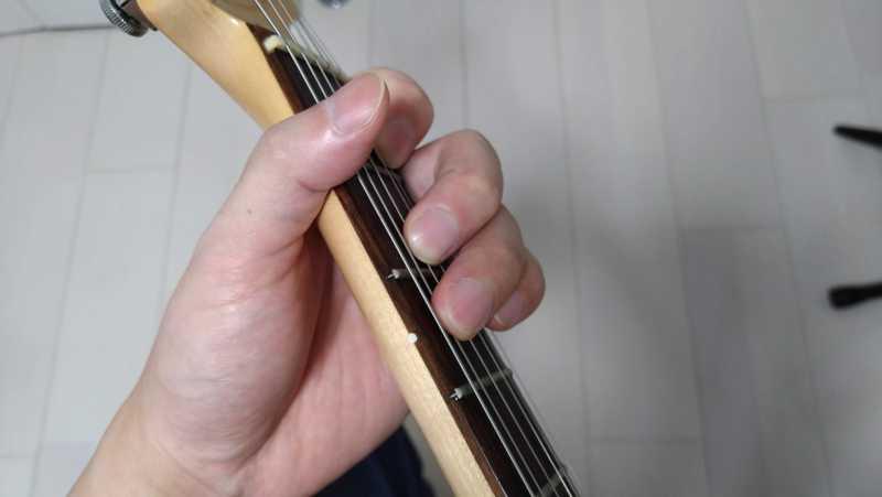 ギターのロックフォーム(シェイクハンドスタイル)とは
