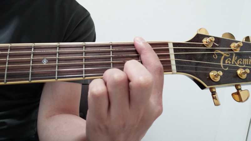 ギターのバレーコード(セーハコード)の押さえ方は人差し指の側面を使う