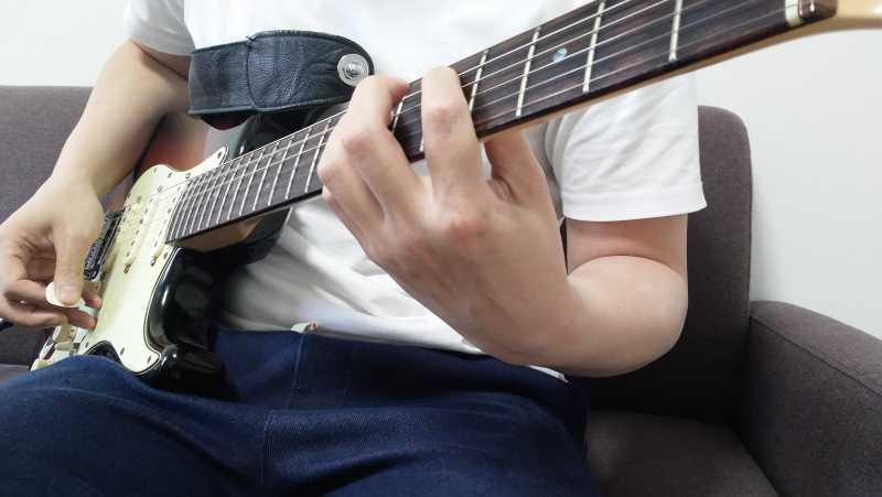 ギターのパワーコードの右手のやり方