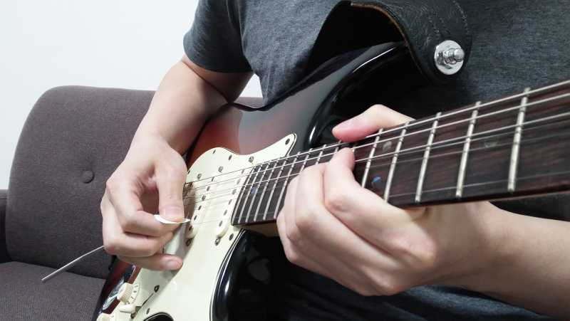 ギターのピッキングとは