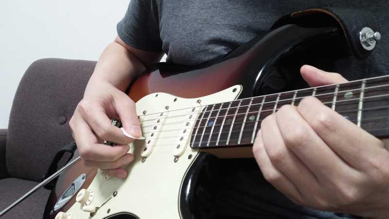 ギターのトレモロピッキングの右手のやり方