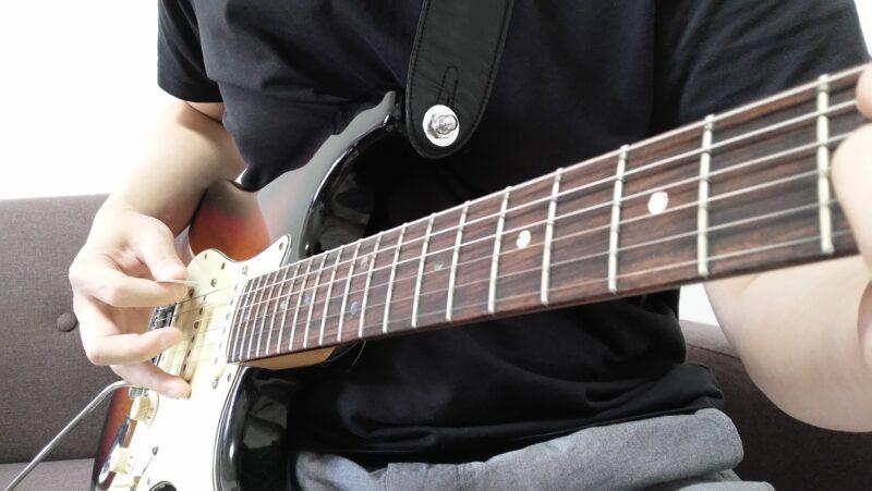 ギターのストリングスキッピングとは