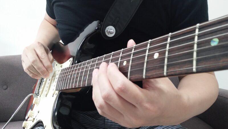 ギターのピックスクラッチのやり方